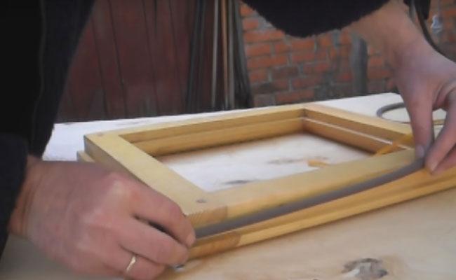 монтаж утеплителя на деревянном окне